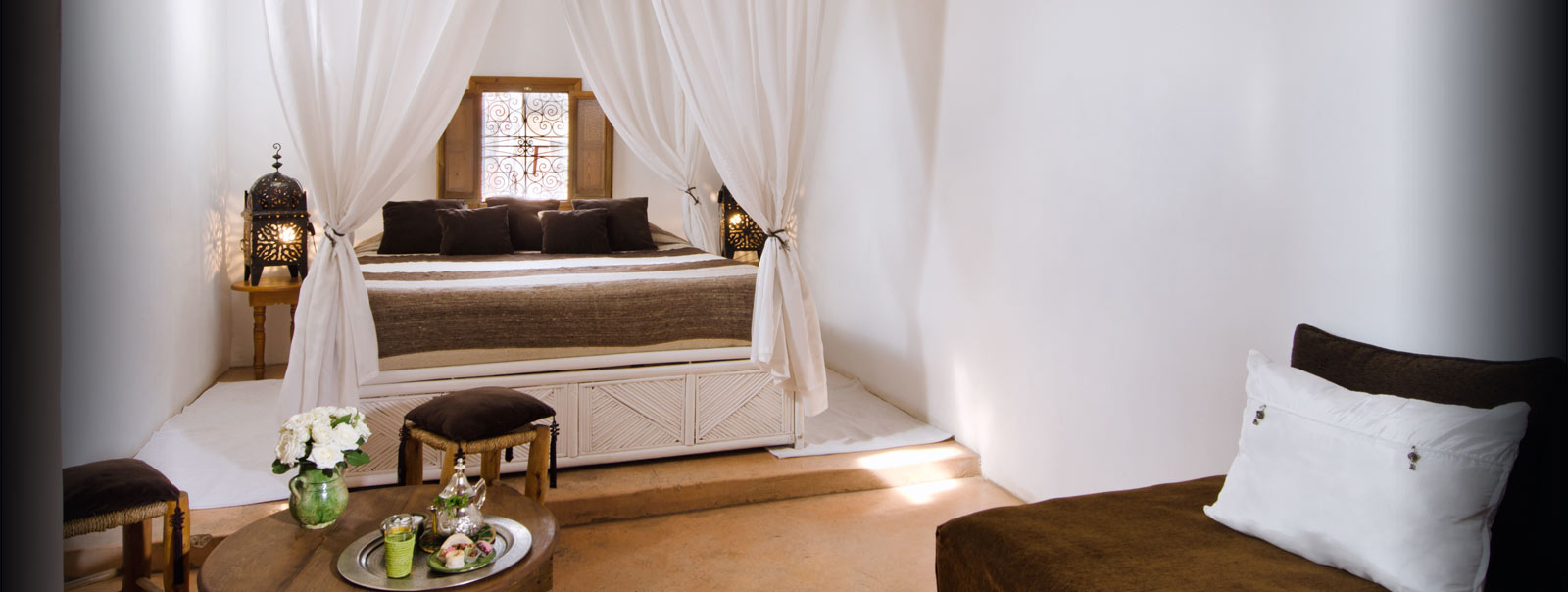 riad pas cher marrakech r server riad vert marrakech. Black Bedroom Furniture Sets. Home Design Ideas